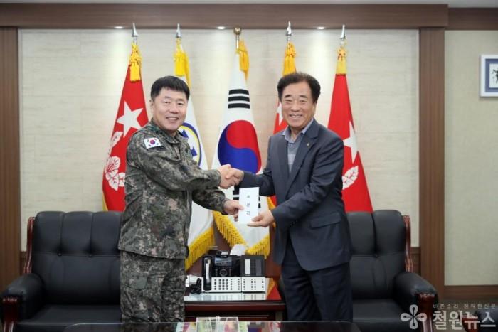 보도자료(5군단 장병위문 방문)2.JPG